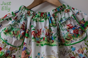 Skirt with gnomes 2