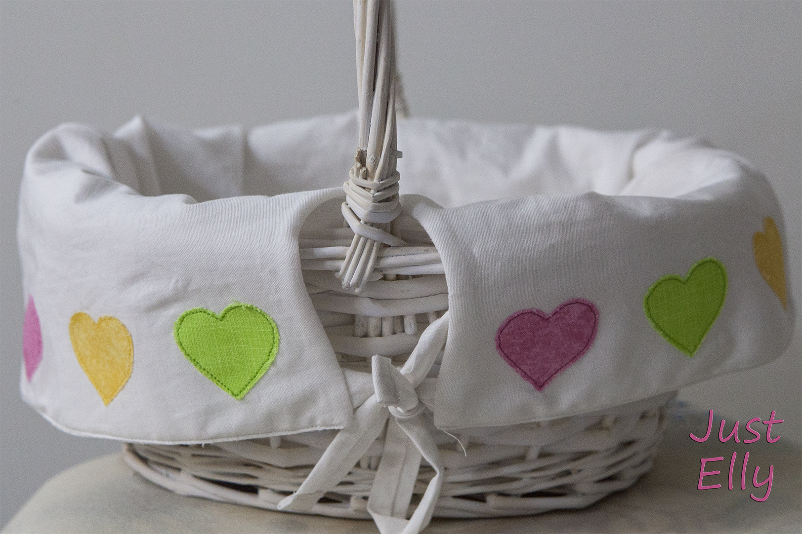 DIY new lining for baskets 01